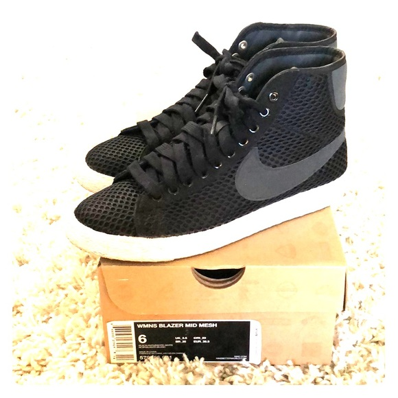 buy popular cd5ef bd8f7 Nike Women s Blazer Mid Mesh - Black. M 5adcc59a5521be1e378e11b0